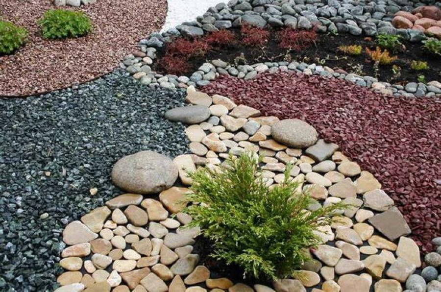 Польза использования мульчи на садовых участках